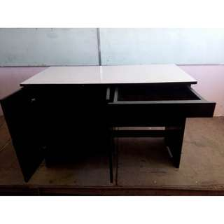 OFFICE TABLE FOR SALE!!