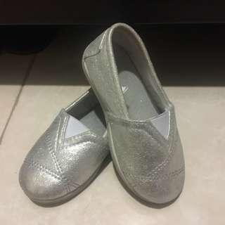 Sepatu anak mothercare 2-3 tahun (size 6 / 23)