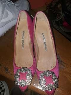 Pre-loved Manolo Blahnik pink heels