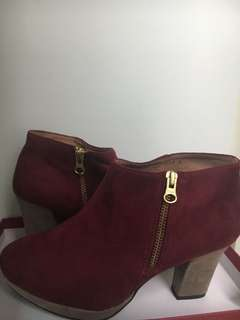 Oriental traffic red color boots