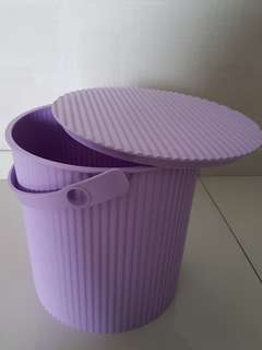 Pail container with lid