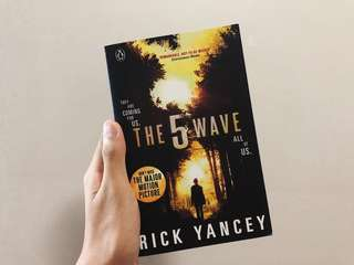 the 5th wave ( rick yancey )