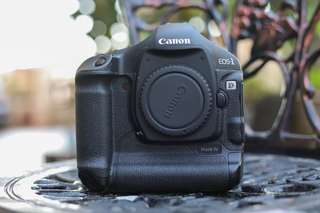 Canon 1D Mark IV body