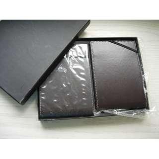 真皮3R相簿或藏紙幣一盒2本, 每本內有17張34頁