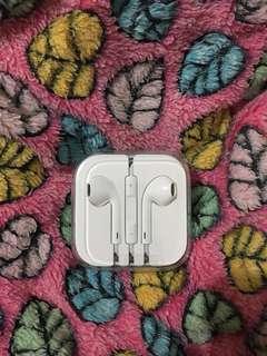 Unused Apple Earphones