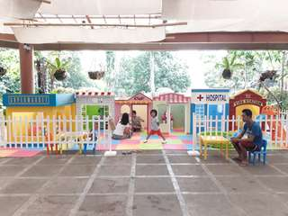 Rental playhouses for kids