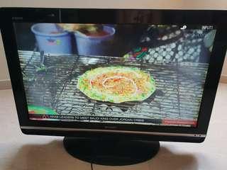 """Sharp LCD 32"""" Tv"""