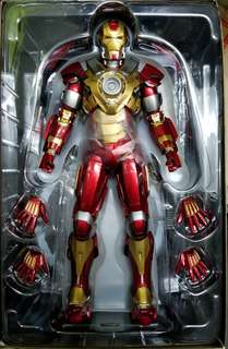 hottoys iron man mark 17