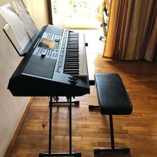 Yamaha PSR - S750 Keyboard