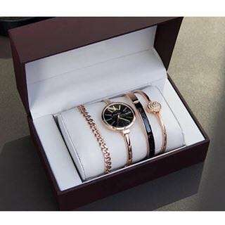 🌸watch with 3 pcs bracelet