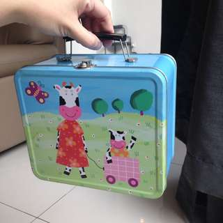 Hard Lunchbox with Handle for Kids