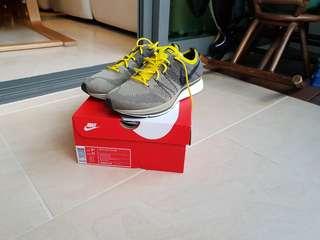 Nike Flyknit trainer US9.5