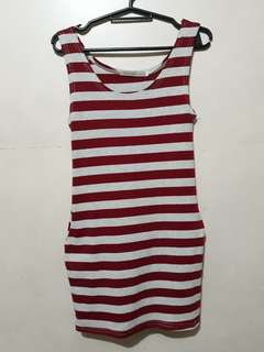 Striped red bodycon dress with side pockets