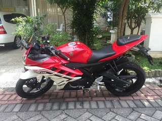 R15 2016 Merah