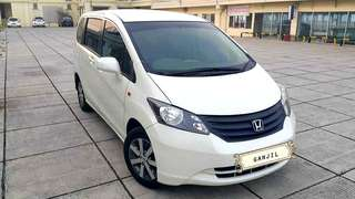 Honda Freed SD 1.5 AT / 2010