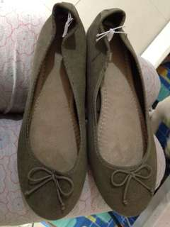 Old navy doll shoes olive green