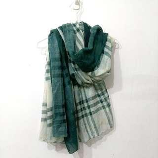 🚚 正韓▫綠▫格紋印花絲巾