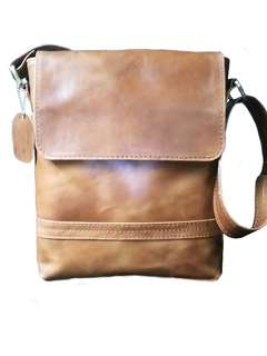 Preorder Leather Slingbag