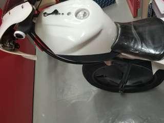 代放需自由定價:Ducati 電單車零件
