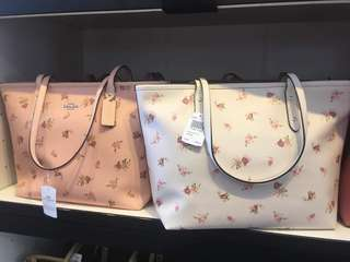 Coach City Zip Tote With Daisy Bundle Print Floral Brand New