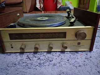 TOSHIBA Vintage Radio