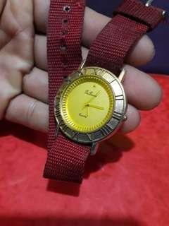 Du barrie          her watch