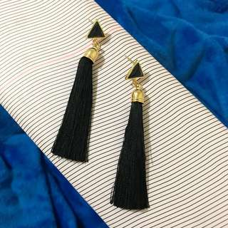 Drop Tassel earing in Black