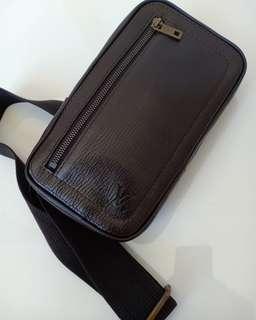 Preloved Authentic LV Crossbody Utah Leather