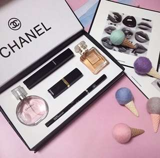 ‼️CHANEL 5in1 beauty set