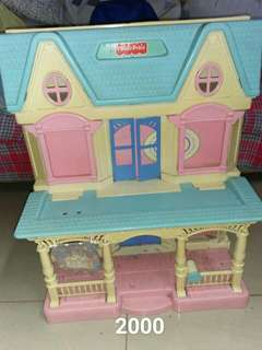 Preloved fisher price doll house