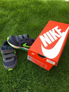 Kids shoe Nike Md runner 2