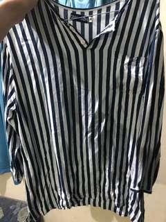 T-Shirt Stripes White and Blue