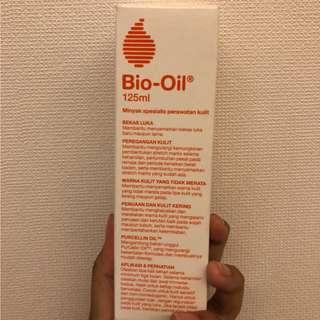Bio Oil Minyak spesialis kulit perawatan kulit 125 ml (exp 10/2022)
