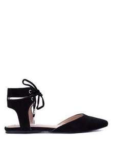 new with Box Steve Madden Elude black strappy pointed flats - 7.5. Orignal price almost 6,000