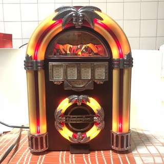 Old School Vintage Juke Box Design in AM/FM
