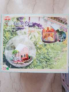 DIY Miniature House Dollhouse Kit Glass Ball Terrarium Paper Wood Craft