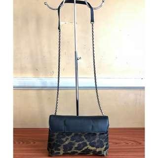STUART WEITZMAN Brand Sling or Body Bag