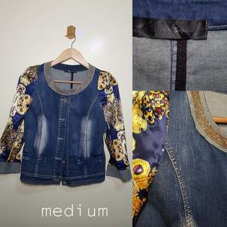 💗denim jacket with silk sleeve and gold neck accessory 💗130