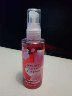 Bath & Body Works Japanese Cherry Blossoms Fragrance Mist