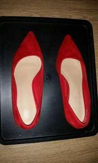 Red heels / pumps