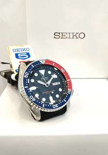 * FREE DELIVERY * Made In Japan Brand New 100% Authentic Seiko Automatic Mens Diver Watch Pepsi Red Blue Bezel on Rubber Strap SKX009 SKX009J