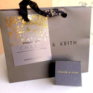 CHARLES & KEITH 全新正品! 白色大理石六角耳環