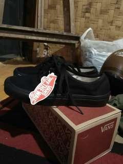 Sepatu Vans Authentic Fullblack