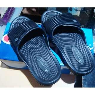 slipper champion size 8
