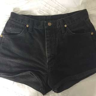 Vintage wrangler black denim shorts