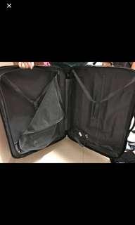 Big luggage or baggage (Akaslitt)