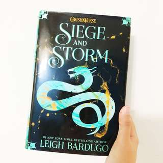 [Hardcover] Leigh Bardugo - Siege and the Storm