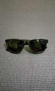 H&M Classic Wayfarer Sunglasses
