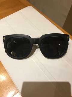 Authentic 💯%TOM FORD sunglass 90%New