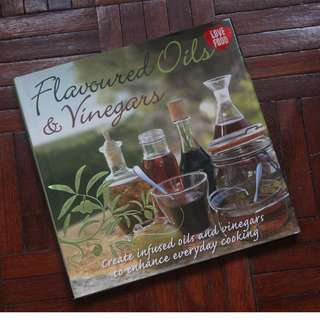 Flavoured Oils and Vinegars